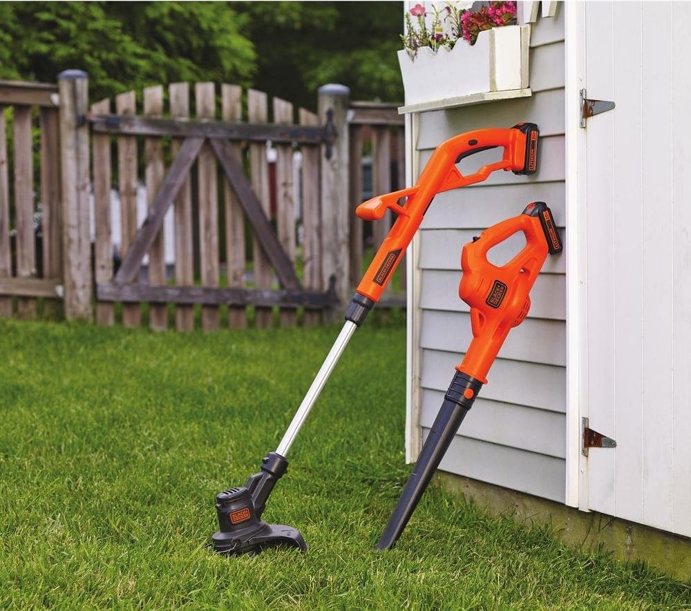 BLACK+ DECKER 20V String Electric Grass Trimmer