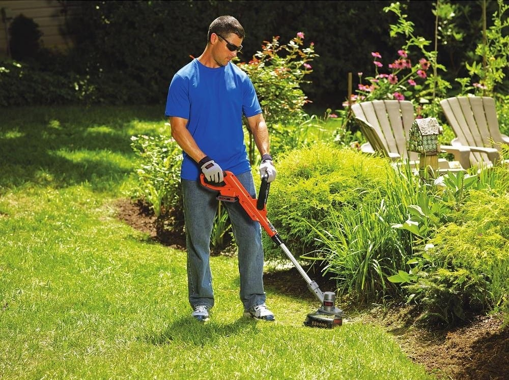 BLACK+DECKER Weed Whacker and Trimmer, LST300